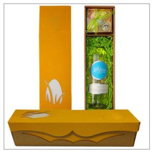Zestaw upominkowy - zawiera butelkę wina + blister 8x8cm wypełniony pralinkami