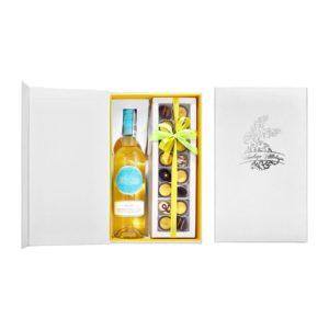 zestaw z winem i 16 pralinami
